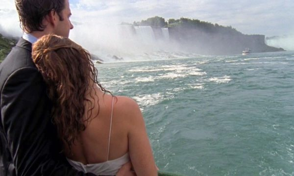 Matador Network - 9 tips for having your own Pam and Jim elopement in Niagara